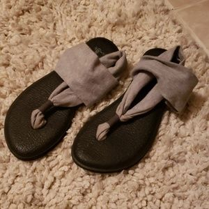 Yoga slings Sanuk  Gray and black size 7 1/2